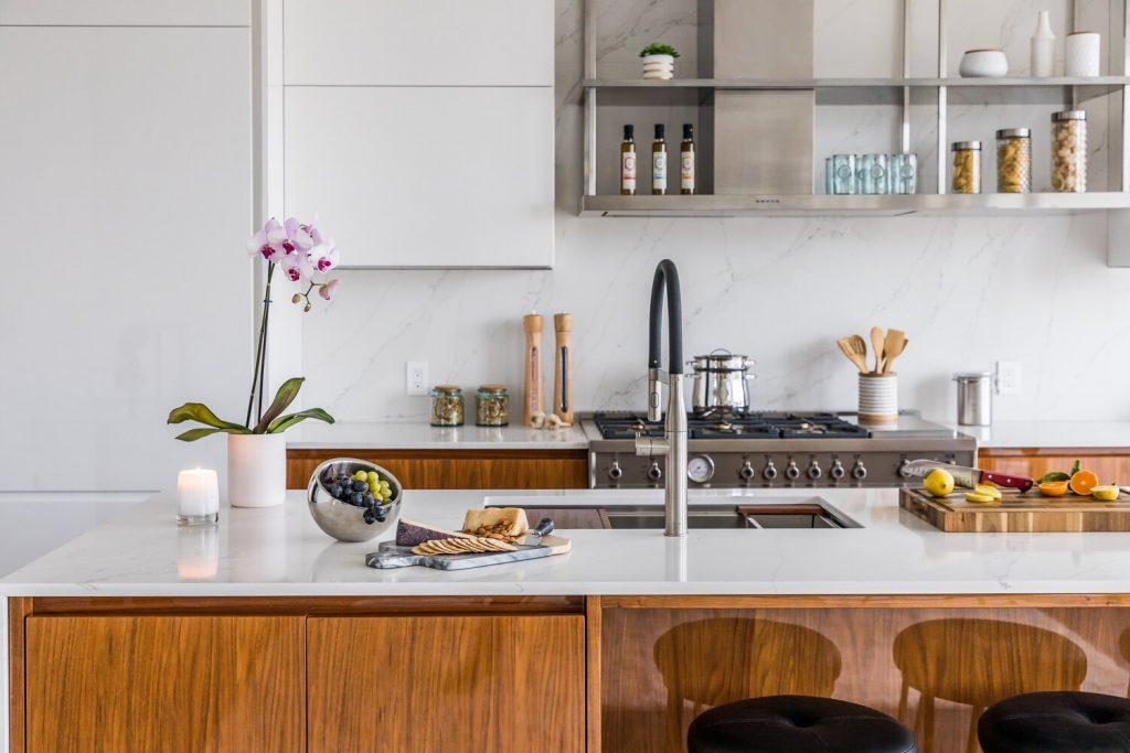 kitchen island Noyack Modern Waterfront Kitchen bu Cabinet Plant